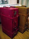 海外旅行用の旅行バッグ